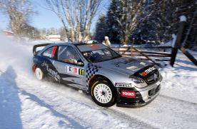 Solbergas varžovus lenkia 8 metų senumo automobiliu
