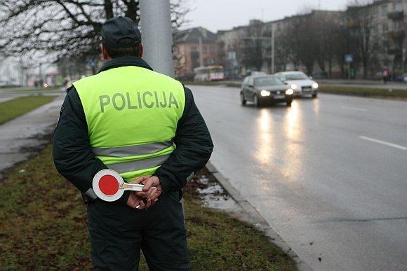 Rugpjūčio 23-29d. Policija Lietuvoje Medžios Greičio Mėgėjus