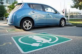 Elektromobiliai susiduria su daugybe problemų