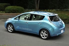 Populiariausias elektromobilis Nissan Leaf kainuos pigiau