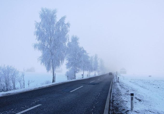 """Atšalus orams vairuotojų laukia – """"Juodasis ledas"""""""