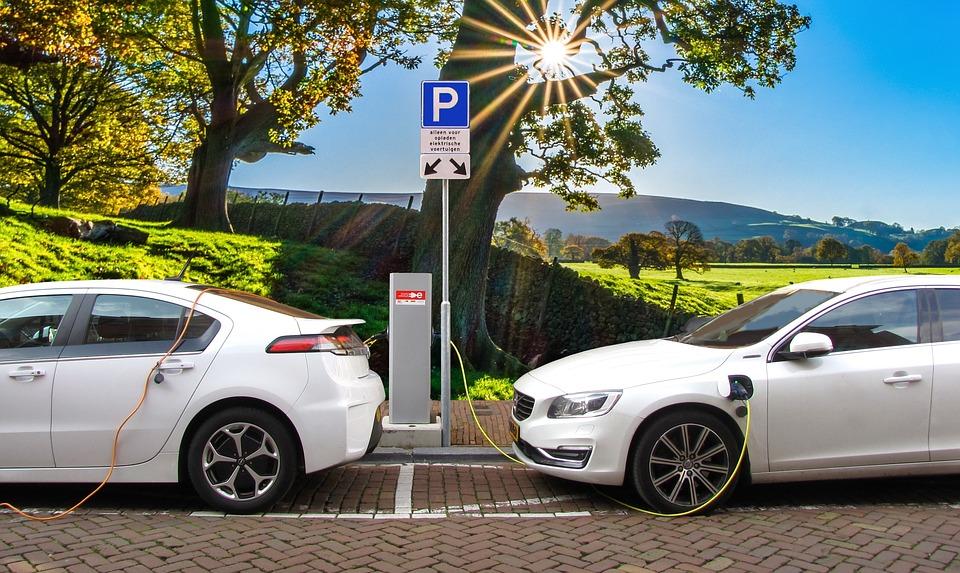 Elektromobiliai ir tai, ko apie juos nežinojote