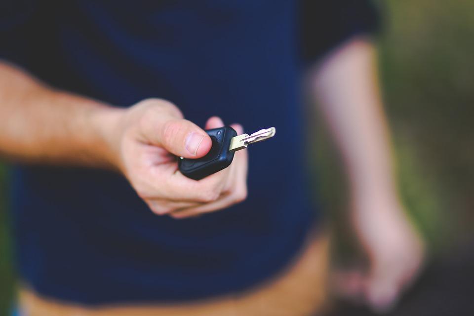 Kokias paslaugas teikia automobilių spynų meistrai?